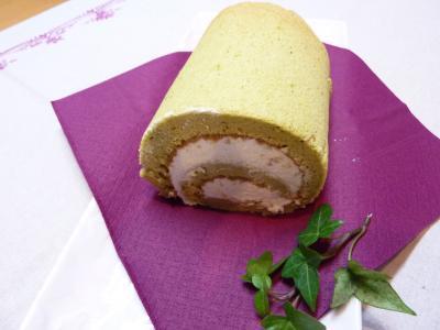 緑茶のロールケーキ1