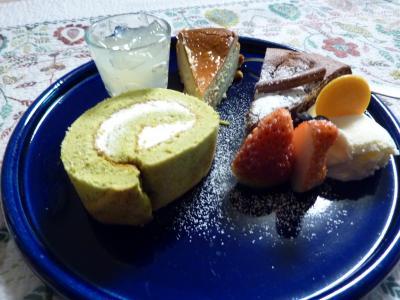 緑茶ロールでケーキセット