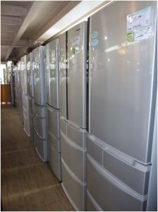 デカ冷蔵庫1