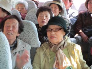 バス(マサ・西谷・初枝