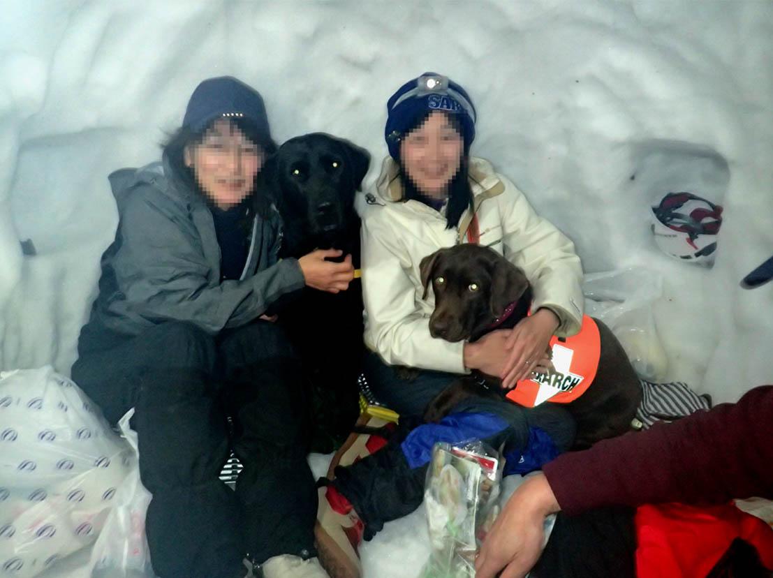 犬と雪洞泊 (2)