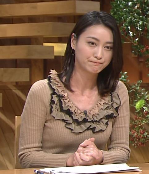 小川彩佳 セーターキャプ・エロ画像7