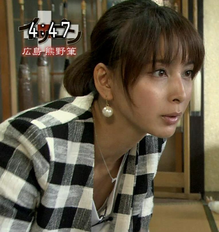加藤夏希 太ももキャプ・エロ画像3