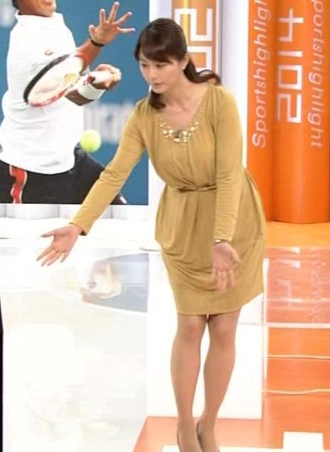 杉浦友紀 ゆったりした服を着ても隠せない爆乳キャプ・エロ画像3