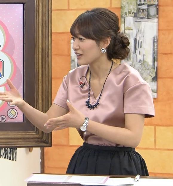 吉田明世 胸元キャプ・エロ画像4