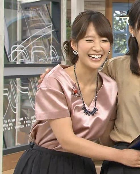 吉田明世 胸元キャプ・エロ画像7