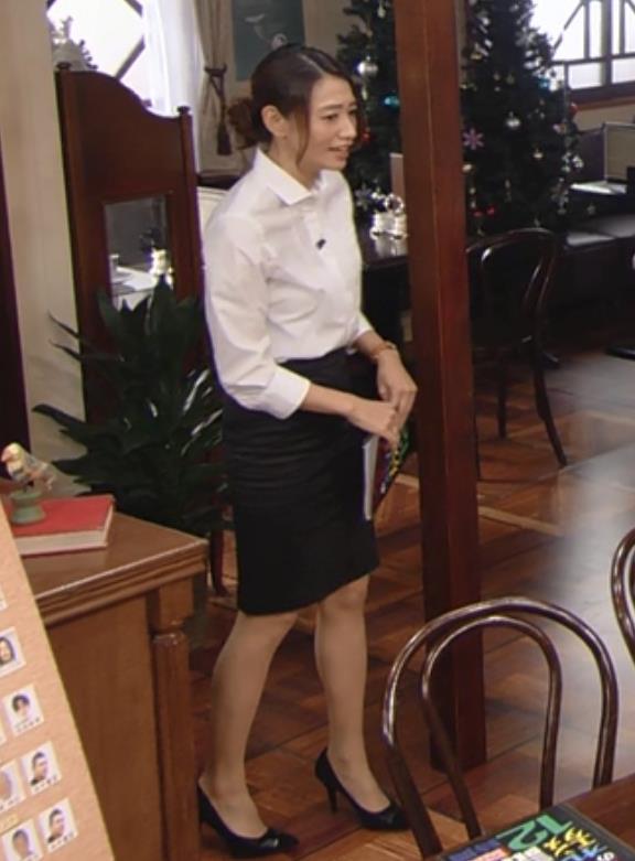 眞鍋かをり タイトスカートキャプ・エロ画像3