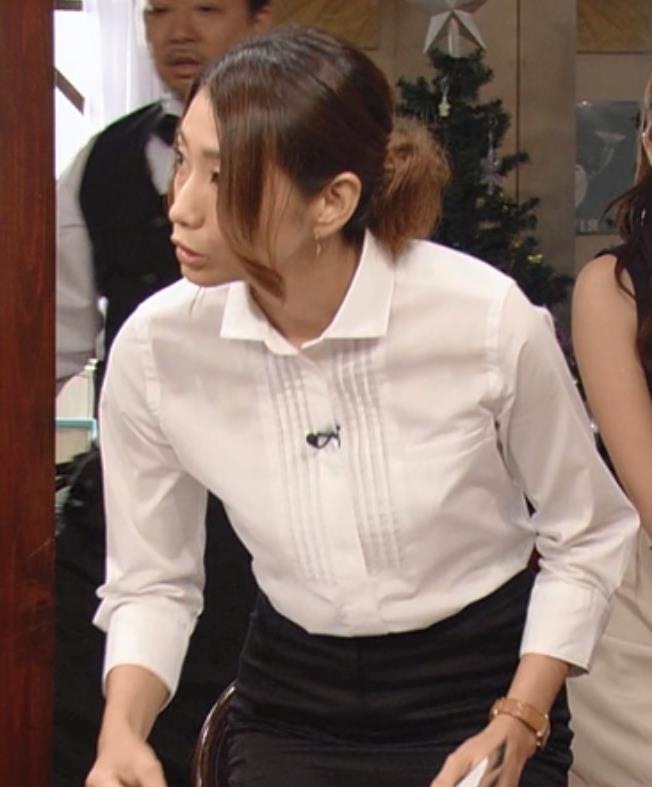眞鍋かをり タイトスカートキャプ・エロ画像6