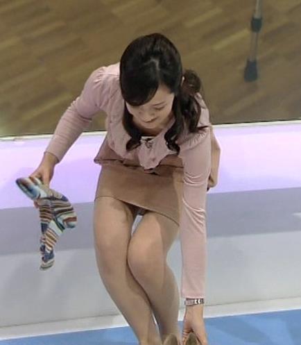 鈴木奈穂子 胸ちら&ミニスカ▼ゾーン