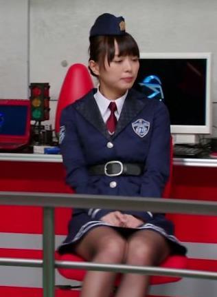 内田理央 ミニスカートキャプ・エロ画像6