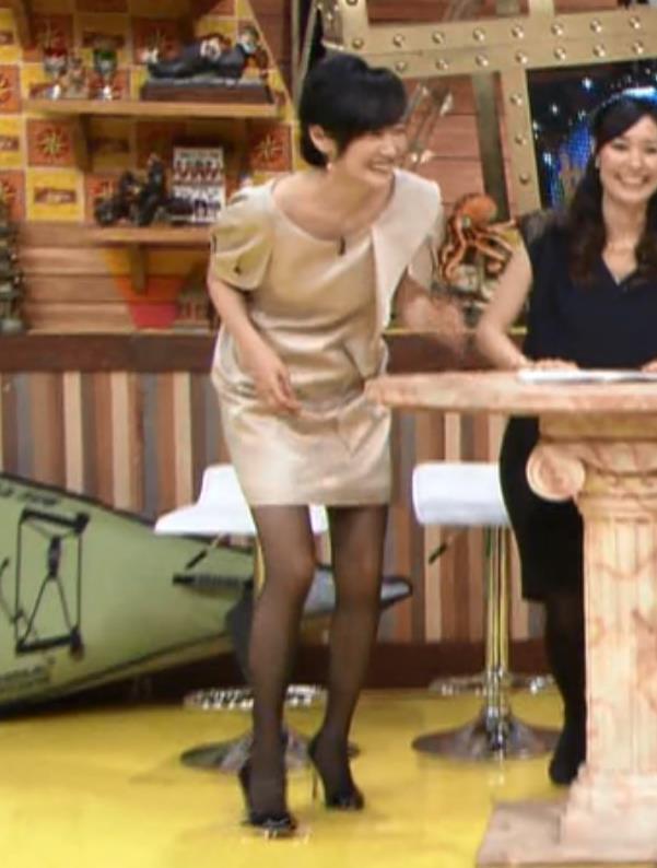 高島彩 ミニスカートキャプ・エロ画像2
