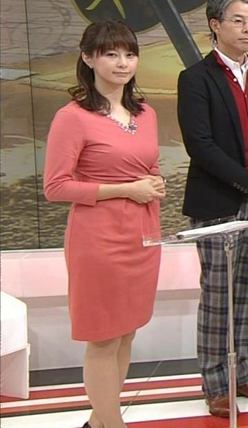 杉浦友紀 太ももキャプ・エロ画像5