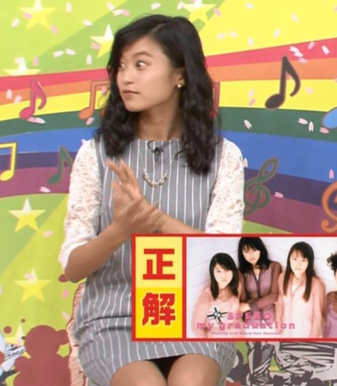 小島瑠璃子 ミニスカートキャプ・エロ画像3