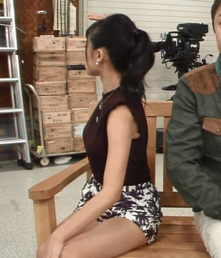 小島瑠璃子 パンツキャプ・エロ画像2