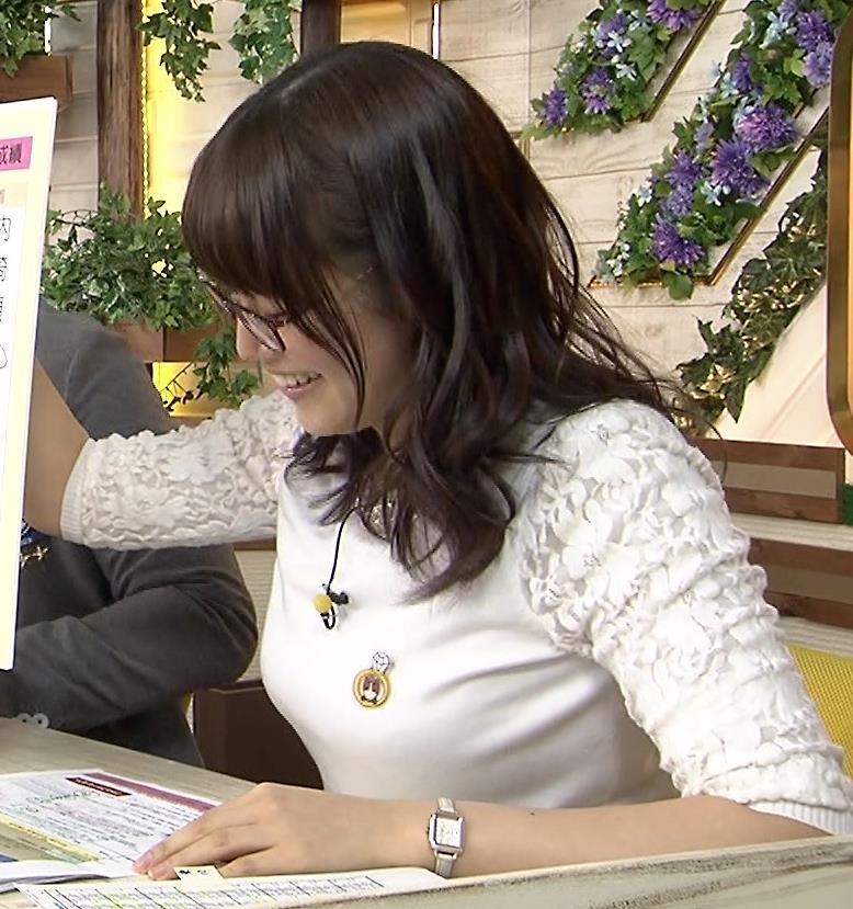 鷲見玲奈 おっぱいキャプ・エロ画像2
