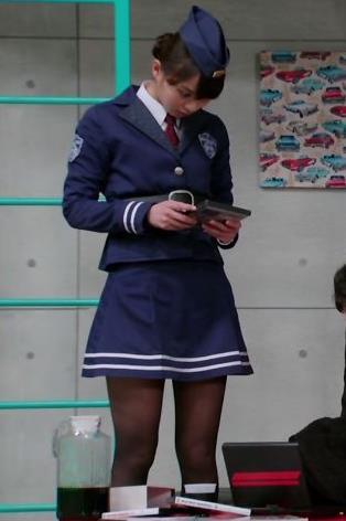 内田理央 太ももキャプ・エロ画像3
