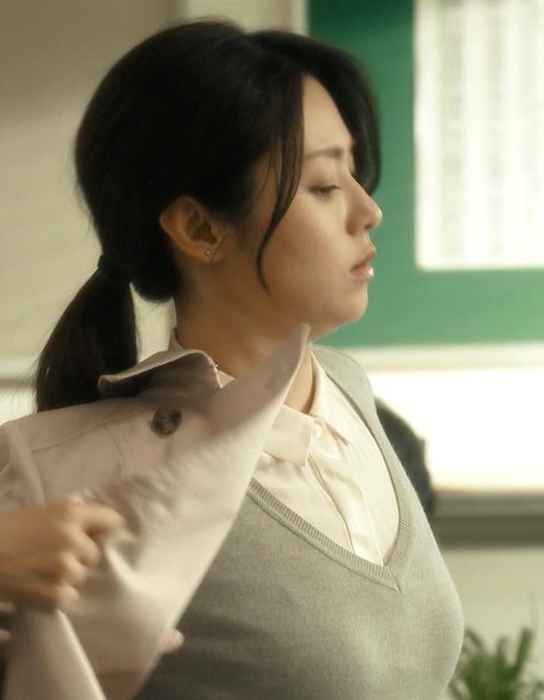 深田恭子 おっぱいキャプ・エロ画像2