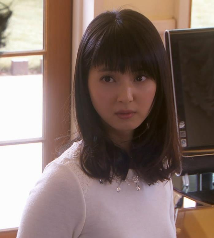 佐々木希 横乳キャプ・エロ画像4