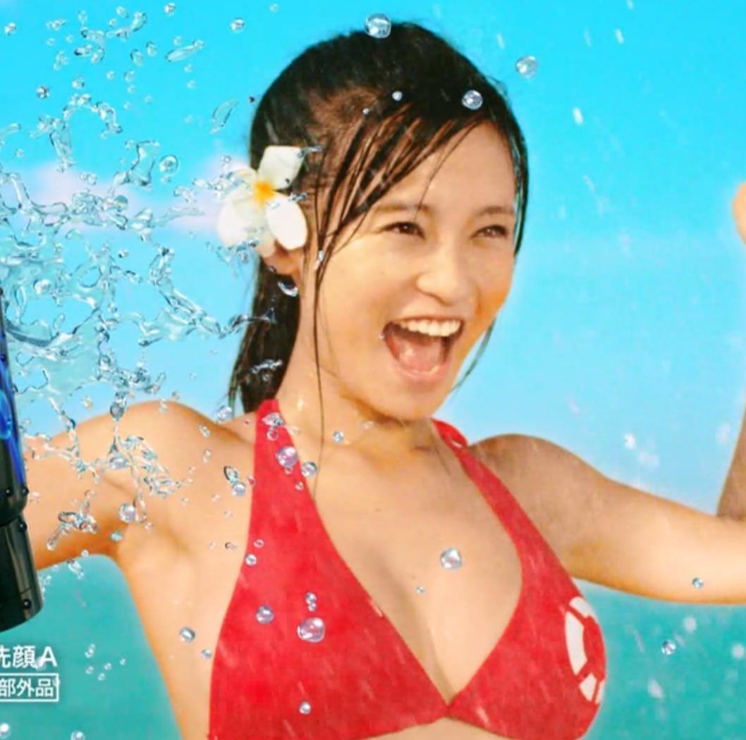 小島瑠璃子 おっぱいキャプ・エロ画像9