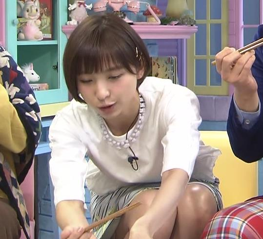 篠田麻里子 ミニスカートキャプ・エロ画像3