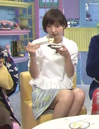 篠田麻里子 ミニスカートキャプ・エロ画像4
