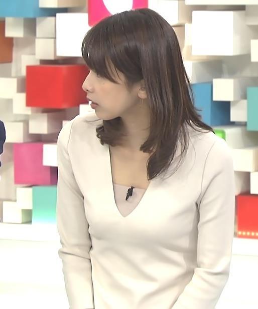 加藤綾子 Vネックキャプ・エロ画像2