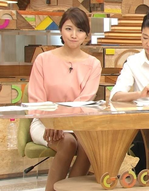 三田友梨佳 スカートキャプ・エロ画像3