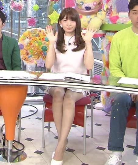 小嶋陽菜 パンチラキャプ・エロ画像5