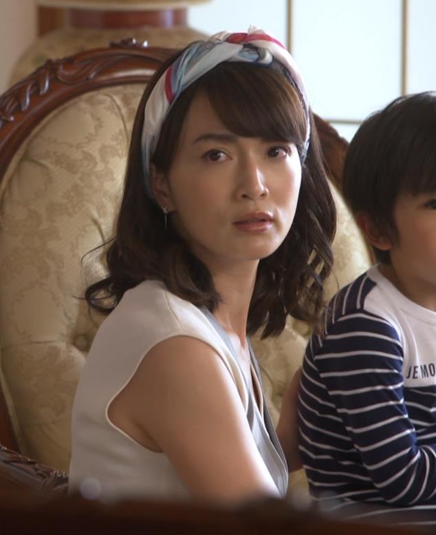 長谷川京子 胸チラキャプ・エロ画像2