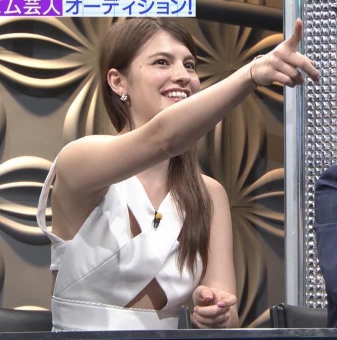マギー 衣装キャプ・エロ画像4