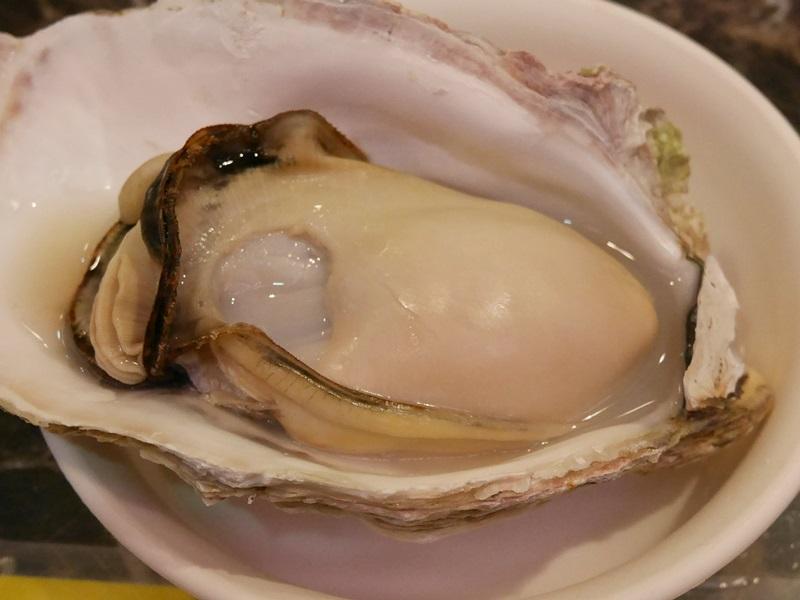 蒸し岩牡蠣