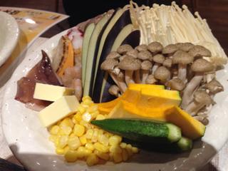 海鮮と野菜の豪華鉄板の盛り合わせ