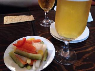 ビールと自家製フレッシュピクルス