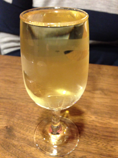 なみなみグラスワイン