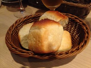 お通しのパン(食べ放題)