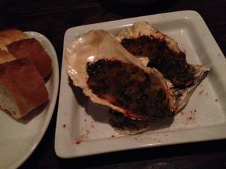 牡蠣の香草パン粉焼き+バゲット