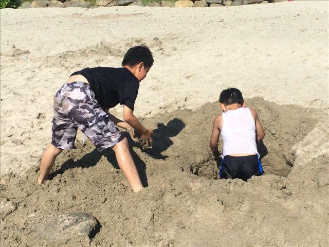 尻久砂里6 穴
