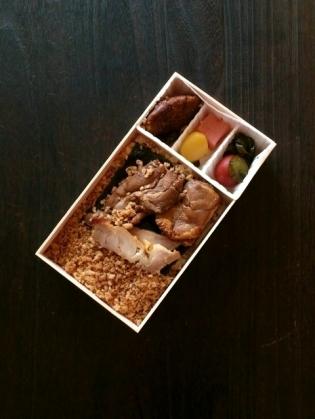 東京駅、駅弁屋祭、高崎名物鶏めし弁当3