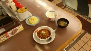 松屋、店舗限定香味野菜のミートソースハンバーグ定食5