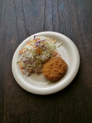 ハマケイ鶏ごぼうメンチ2
