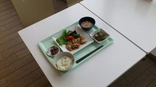 OWL、A定食鶏肉と野菜のわさに風味だれ4