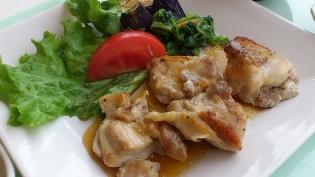 OWL、A定食鶏肉と野菜のわさに風味だれ5