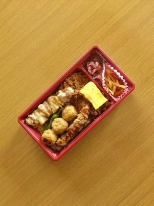 鶏麻炭火焼鳥弁当3