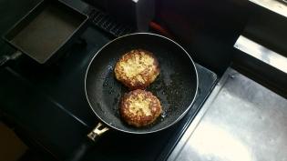 鶏ムネひき肉ハンバーグ2