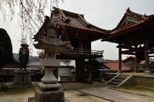 金秀寺 鐘楼と山門