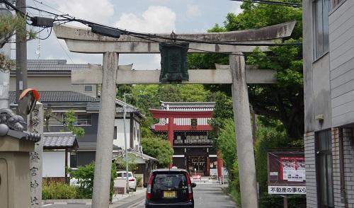 0011梅宮大社 参道
