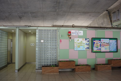 0045a高速舞子バス停トイレ