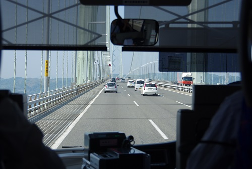 0049a明石大橋通過中
