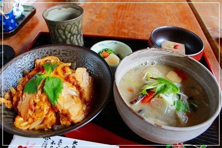 ミニ丼セット★親子丼がおススメです!