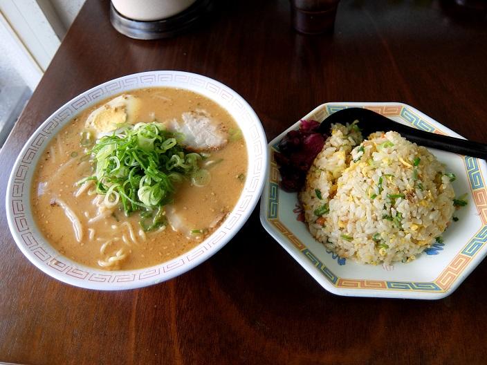福々亭味噌焼き飯1